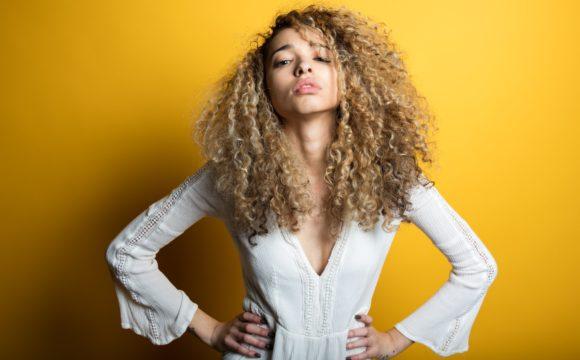 Esami di controllo per fragilità unghie e capelli